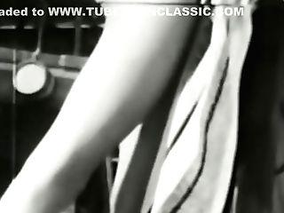 Erotic Nudes 550 30's To 50's - Scene Five