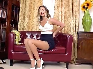 Hot Blonde Thumbs Cock-squeezing Muff In Retro Girdle Nylons High-heeled Shoes